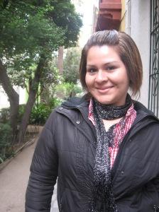 Brenda de León en un paseo por barrio Yungay, Santiago